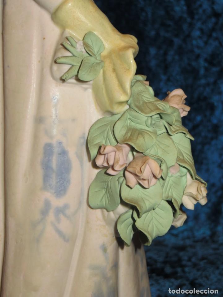 Antigüedades: Antigua figura cerámica Porcelana Artística Levantina mujer flores querubines 35 cm sello circa 1980 - Foto 31 - 254825780