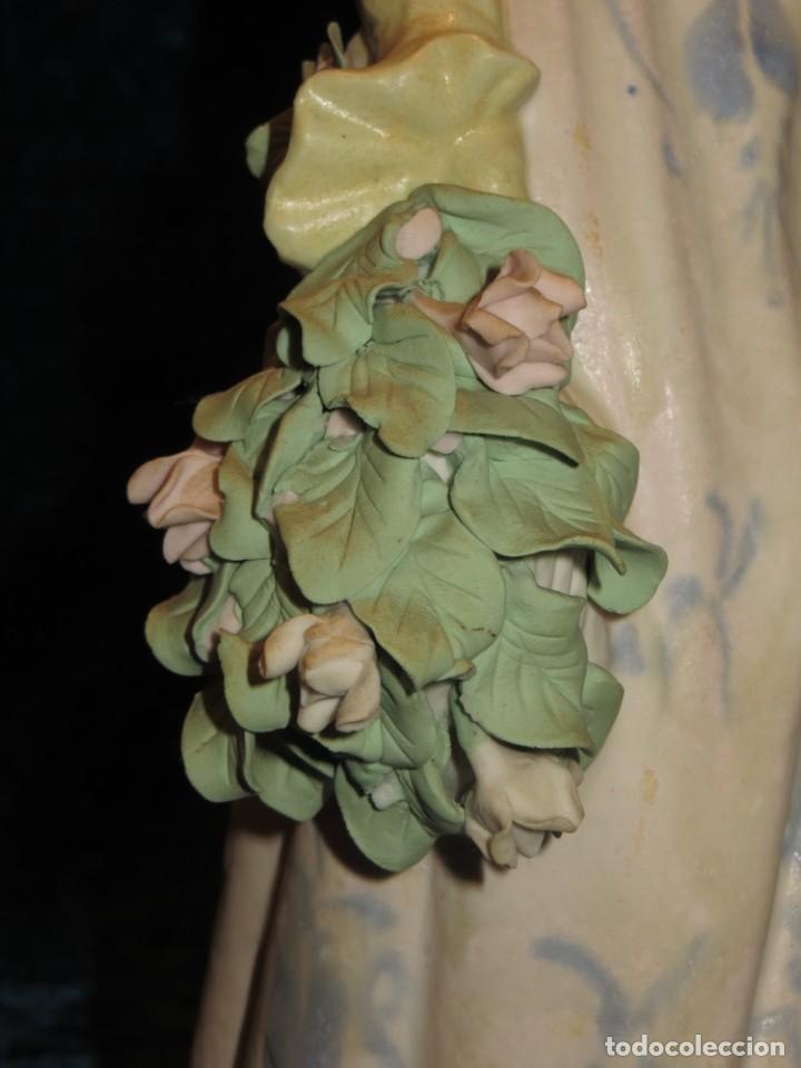 Antigüedades: Antigua figura cerámica Porcelana Artística Levantina mujer flores querubines 35 cm sello circa 1980 - Foto 37 - 254825780