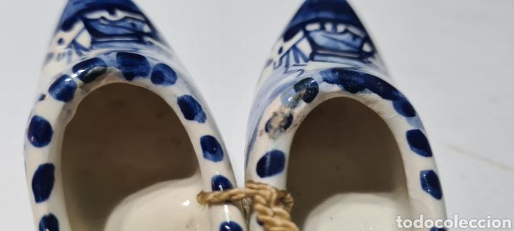 Antigüedades: Precioso par de zuecos de porcelana. DELFT. Holanda. - Foto 5 - 254904395