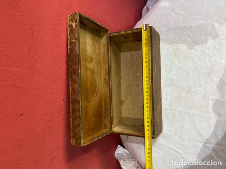 Antigüedades: Antigua caja de madera decorada.ver fotos - Foto 4 - 254907240