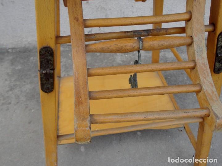 Antigüedades: Trona de niño o bebe, convertible en taca-taca con ruedas - Foto 5 - 254923690