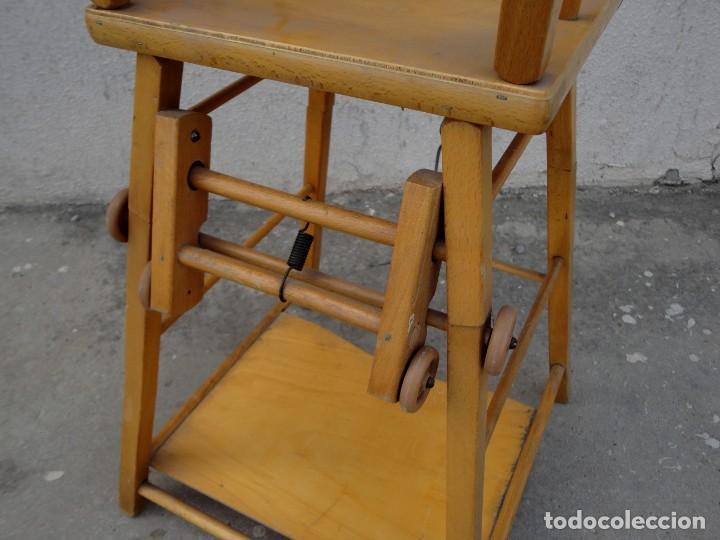 Antigüedades: Trona de niño o bebe, convertible en taca-taca con ruedas - Foto 9 - 254923690