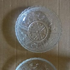 Antigüedades: CRISTAL. DOS PLATOS PEQUEÑOS.. Lote 254930030