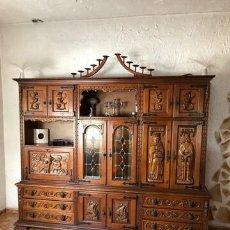 Antigüedades: MUEBLE TALLADO CONQUISTA DE AMERICA. Lote 254983815