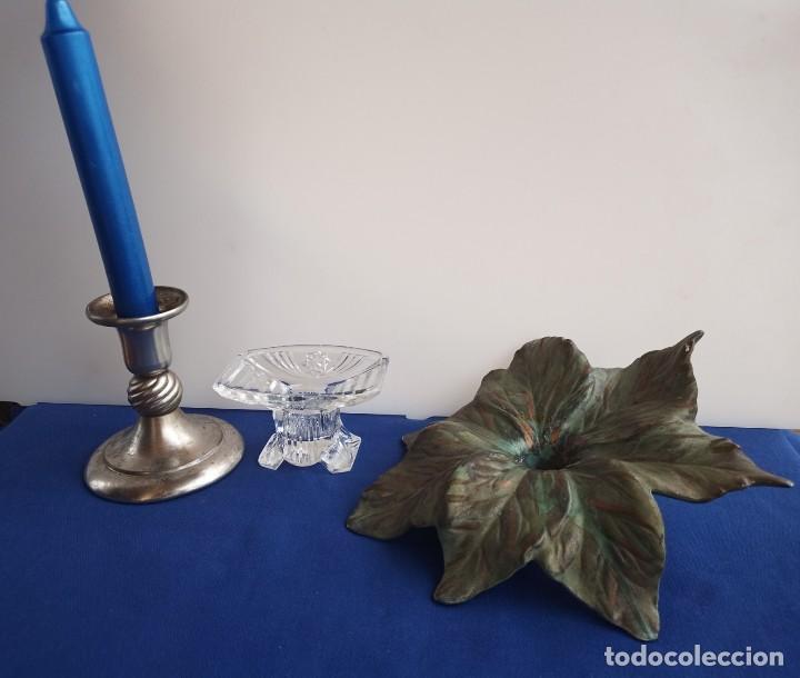 Antigüedades: Tres candelabros antiguos de diferentes formas, fabricantes antiguos. - Foto 8 - 254996830