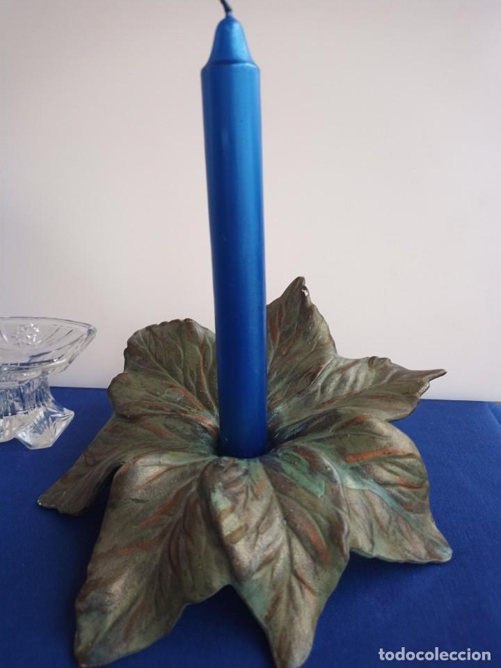 Antigüedades: Tres candelabros antiguos de diferentes formas, fabricantes antiguos. - Foto 10 - 254996830