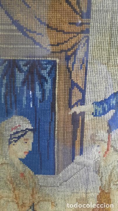 Antigüedades: tapiz enmarcado de siglo xviii - Foto 2 - 255004120