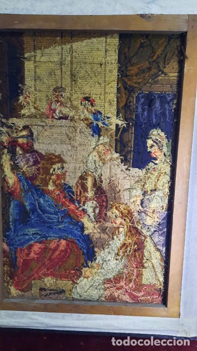 Antigüedades: tapiz enmarcado de siglo xviii - Foto 3 - 255004120