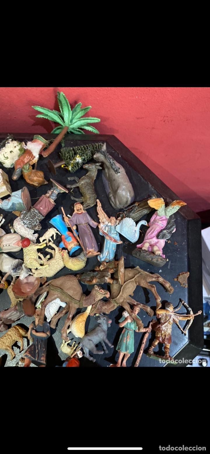 Antigüedades: Lote de 100 figuras de Belén antiguas . Ver fotos - Foto 15 - 255017835