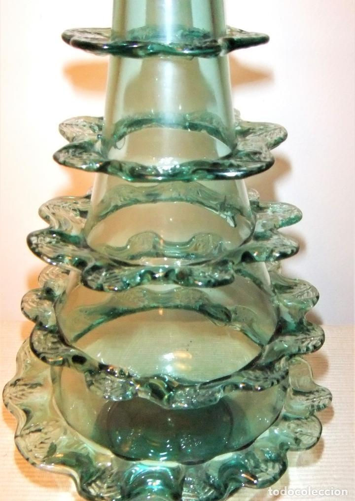 Antigüedades: ANTIGUA BOTELLA O JARRÓN DE CRISTAL SOPLADO PINZADO MALLORQUIN - Foto 3 - 255332640