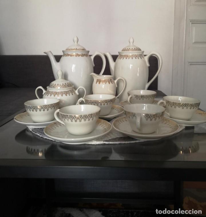 Antigüedades: JUEGO COMPLETO DE CAFÉ O TÉ DE PORCELANA FINA DE GRAN CALIDAD MARCA SANTA CLARA VIGO - Foto 4 - 255388555