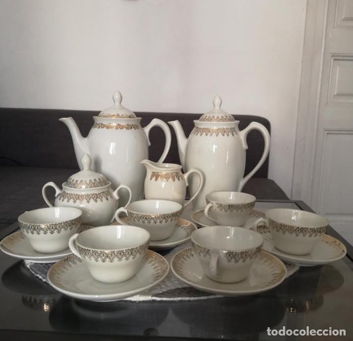 Antigüedades: JUEGO COMPLETO DE CAFÉ O TÉ DE PORCELANA FINA DE GRAN CALIDAD MARCA SANTA CLARA VIGO - Foto 5 - 255388555