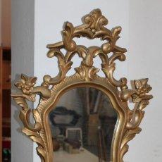 Antigüedades: ESPEJO CORNUCOPIA EN MADERA TALLADA Y DORADA A MANO DEL SIGLO XIX. Lote 255394835