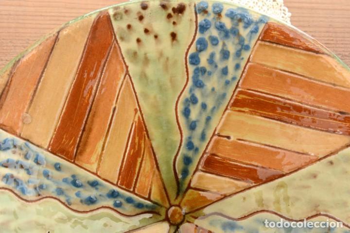 Antigüedades: Plato de cerámica tradicional catalana La Bisbal firmado Puigdemont - Foto 2 - 255404985