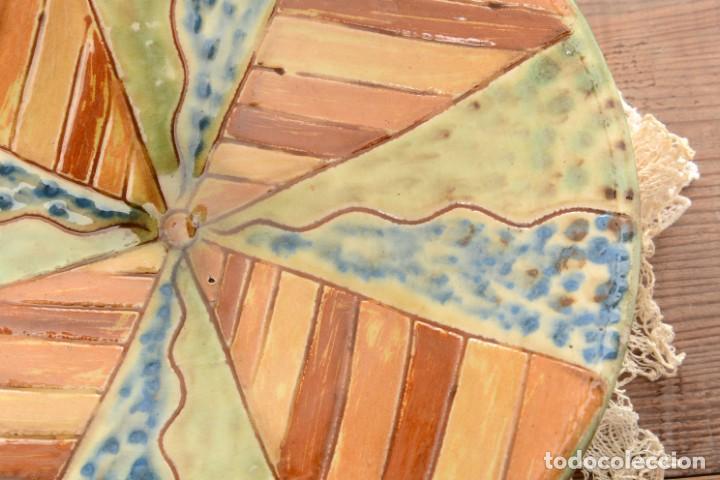 Antigüedades: Plato de cerámica tradicional catalana La Bisbal firmado Puigdemont - Foto 3 - 255404985