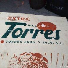 Antigüedades: ANTIGUO CARTEL DE MADERA MELONES TORRES. Lote 255407685