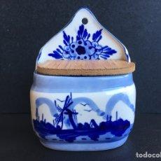 Antigüedades: SALERO DE COCINA PORCELANA DE HOLANDA. Lote 255410355