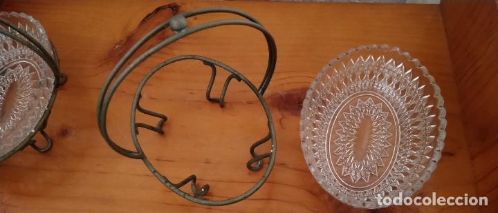 Antigüedades: PAREJA DE SALSERAS EN CRISTAL TALLADO Y METAL. 14 x 15 CMS. - Foto 4 - 255413460