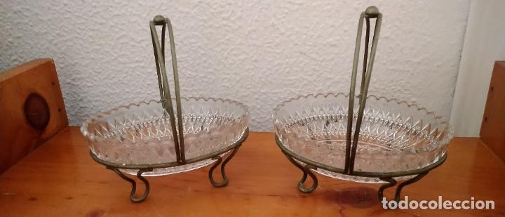 PAREJA DE SALSERAS EN CRISTAL TALLADO Y METAL. 14 X 15 CMS. (Antigüedades - Cristal y Vidrio - Otros)