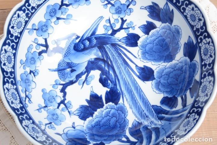 Antigüedades: Bol grande para fruta o centro de mesa de porcelana japonesa Imari - Foto 3 - 255417420