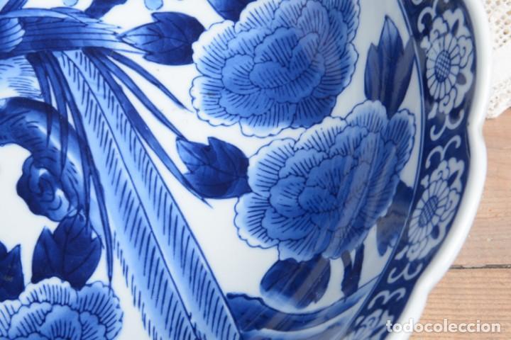 Antigüedades: Bol grande para fruta o centro de mesa de porcelana japonesa Imari - Foto 6 - 255417420