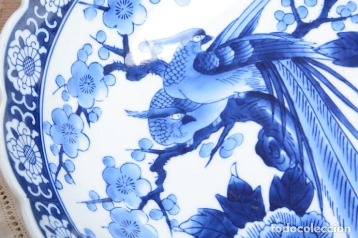 Antigüedades: Bol grande para fruta o centro de mesa de porcelana japonesa Imari - Foto 7 - 255417420