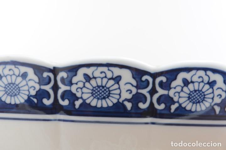 Antigüedades: Bol grande para fruta o centro de mesa de porcelana japonesa Imari - Foto 9 - 255417420