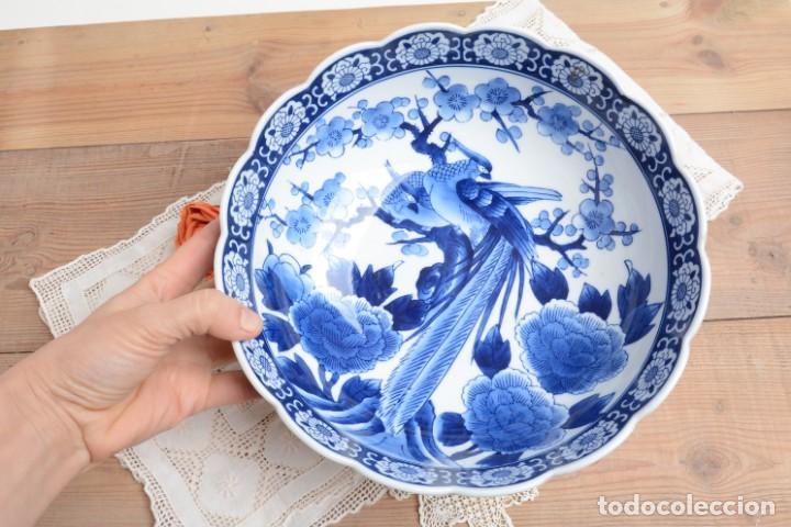 Antigüedades: Bol grande para fruta o centro de mesa de porcelana japonesa Imari - Foto 11 - 255417420