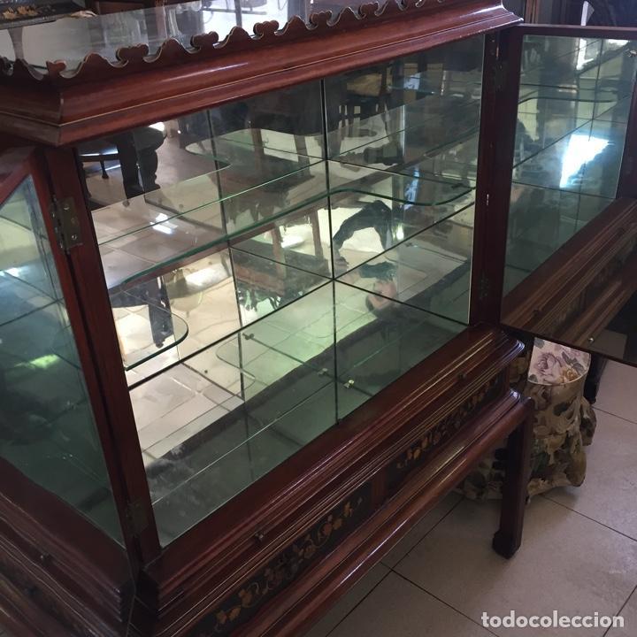 Antigüedades: Aparador mueble bar estilo chino - madera y marquetería, con cristales y espejos - Años 70 - Vintage - Foto 3 - 255441160