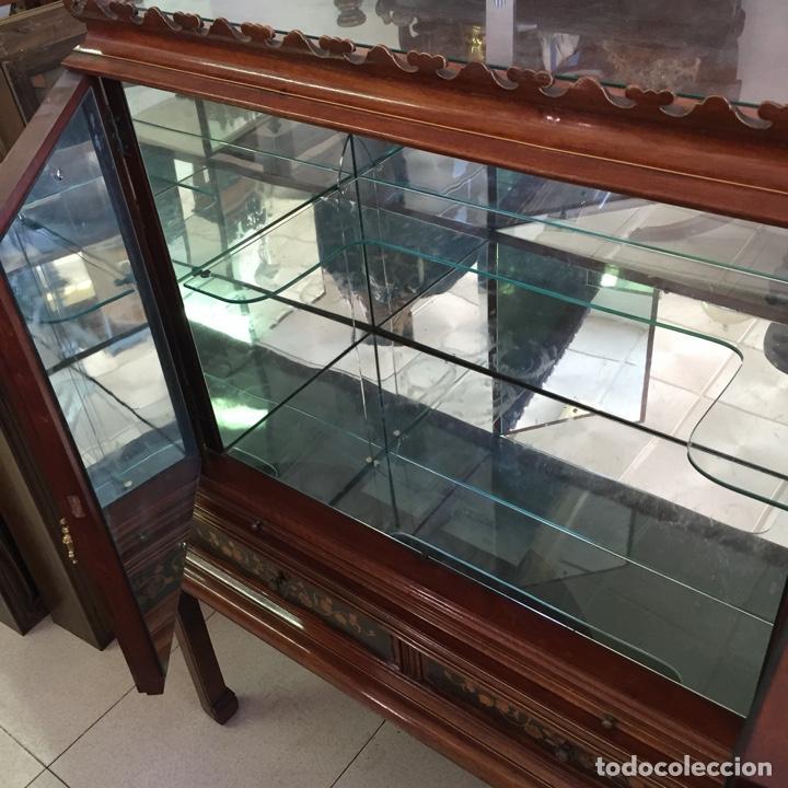 Antigüedades: Aparador mueble bar estilo chino - madera y marquetería, con cristales y espejos - Años 70 - Vintage - Foto 6 - 255441160