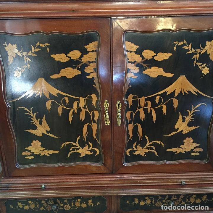 Antigüedades: Aparador mueble bar estilo chino - madera y marquetería, con cristales y espejos - Años 70 - Vintage - Foto 8 - 255441160