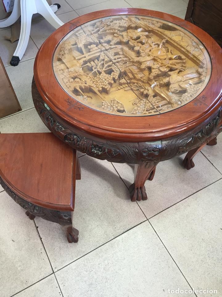 Antigüedades: Mesa de te china con 4 taburetes - Años 70 - Artesanía Vintage, excelente trabajo de talla - Foto 2 - 255442270