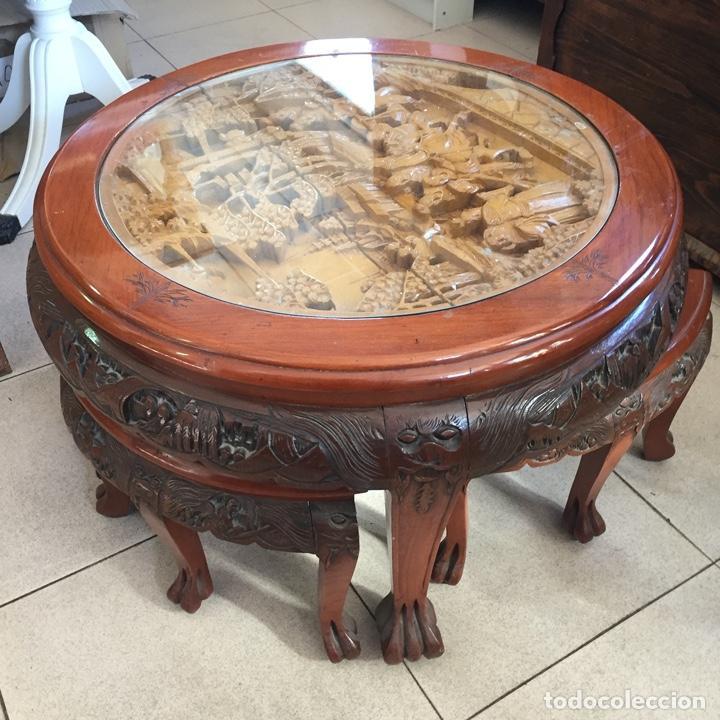 Antigüedades: Mesa de te china con 4 taburetes - Años 70 - Artesanía Vintage, excelente trabajo de talla - Foto 5 - 255442270