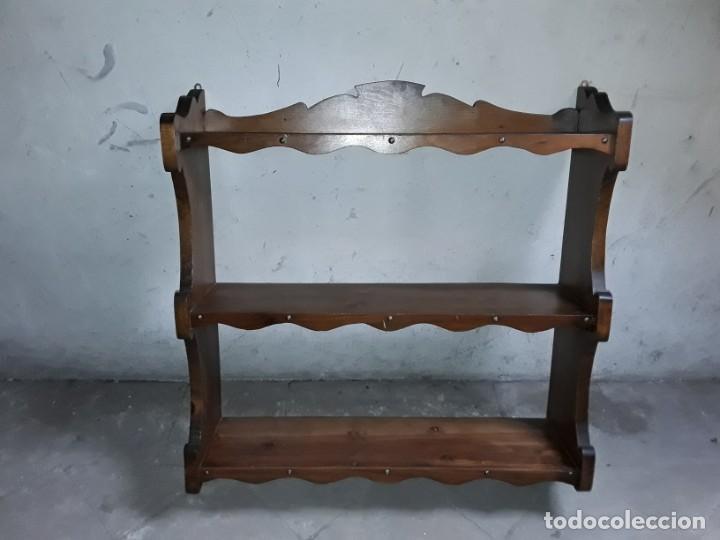 ESTANTERIA ANTIGUA DE MADERA. (Antigüedades - Muebles Antiguos - Repisas Antiguas)