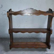 Antigüedades: ESTANTERIA ANTIGUA DE MADERA.. Lote 255445205
