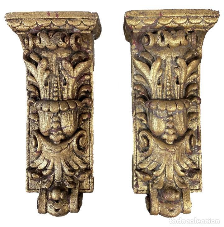 ANTIGUA MÉNSULA, REPISA, PEDESTAL, COLUMNA DE ESTUCO ANTIGUO, DORADA. XIX. 34X15X7 (Antigüedades - Muebles Antiguos - Ménsulas Antiguas)