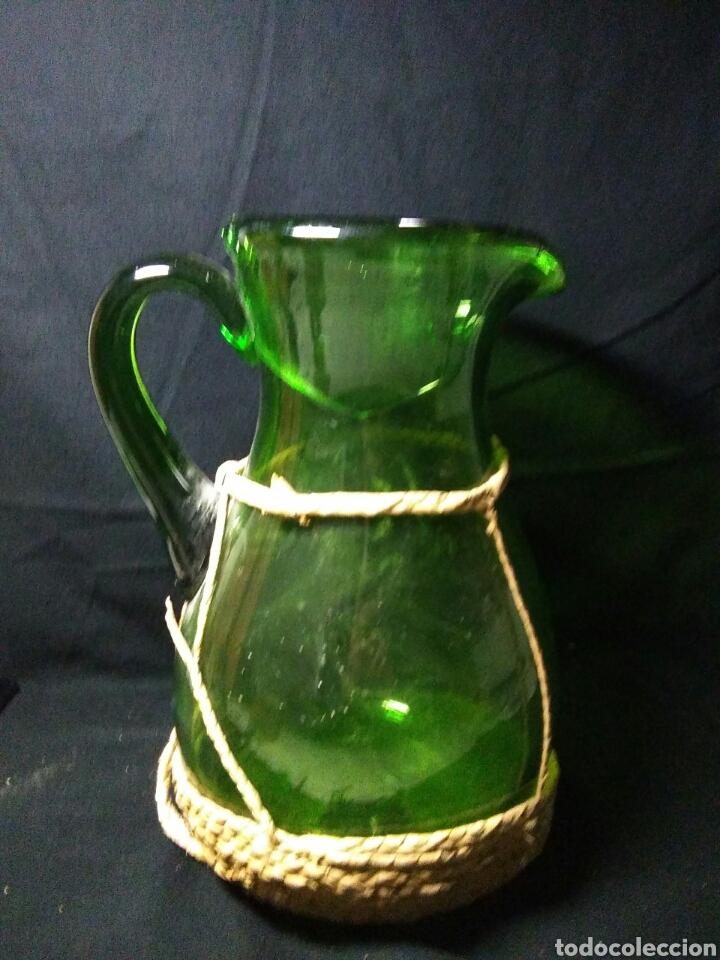 Antigüedades: Antiguo jarra de cristal siglo XIX ,vidreo verde , - Foto 4 - 255522285