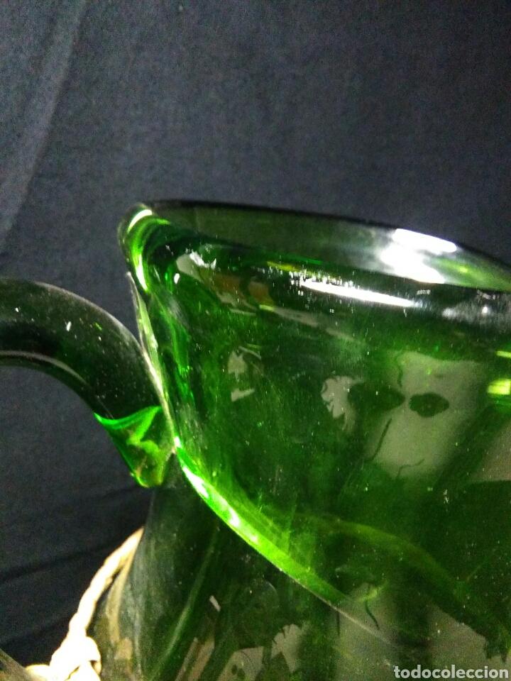 Antigüedades: Antiguo jarra de cristal siglo XIX ,vidreo verde , - Foto 5 - 255522285