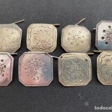 Antigüedades: BOTONES ANTIGUOS REGIONALES DE PLATA. Lote 255536415