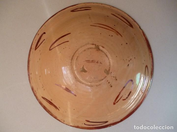 Antigüedades: Plato de cerámica Manises reflejo metálico siglo XVII motivo pájaro o pardalot - Foto 4 - 255554560