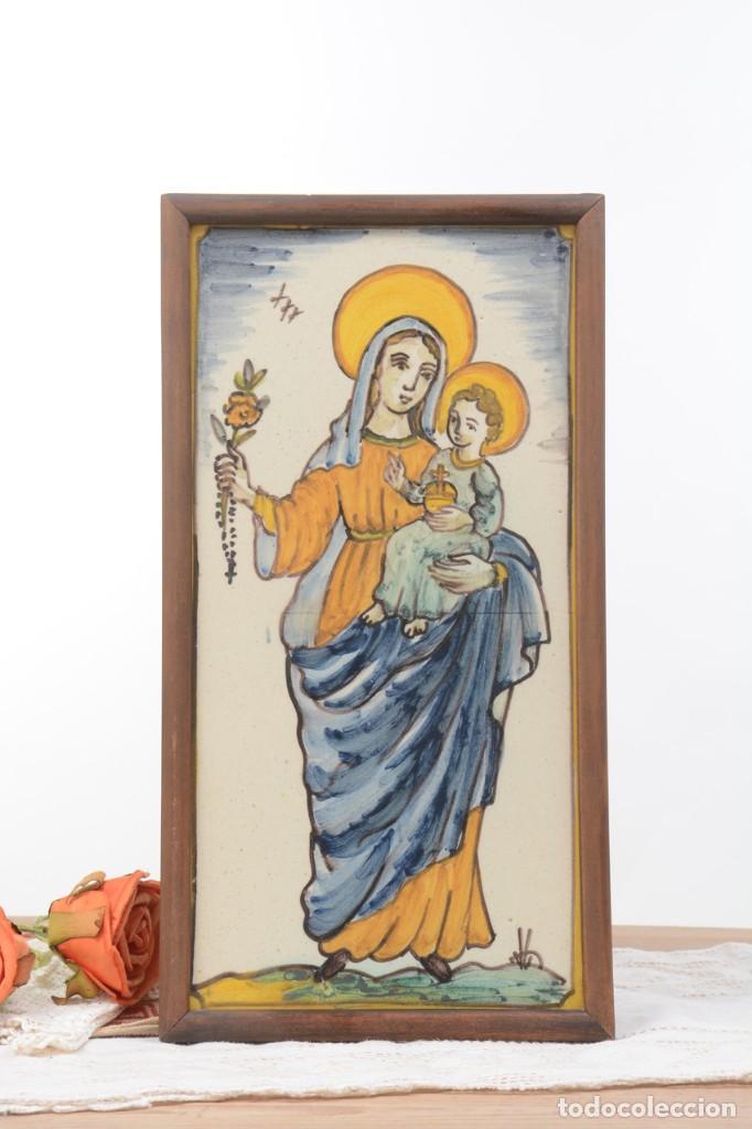 Antigüedades: Azulejo pintado Virgen con el niño La Paloma de Alcora, España - Foto 2 - 255570145