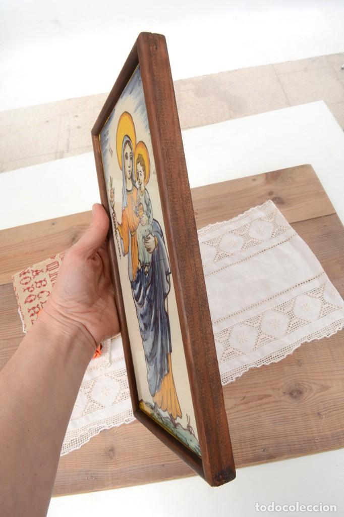 Antigüedades: Azulejo pintado Virgen con el niño La Paloma de Alcora, España - Foto 10 - 255570145