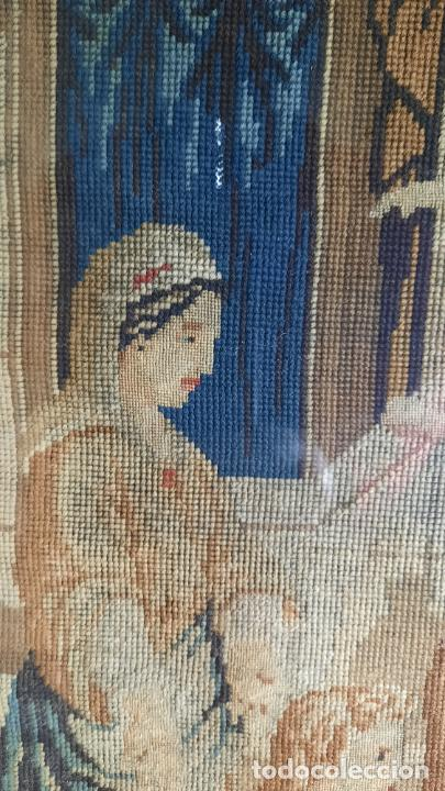 Antigüedades: tapiz enmarcado de siglo xviii - Foto 8 - 255004120