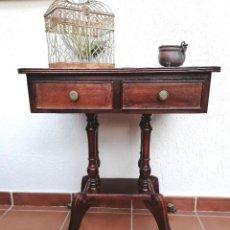 Antigüedades: ANTIGUO VELADOR CON PATAS GARRA Y RUEDAS DE BRONCE. Lote 255640820