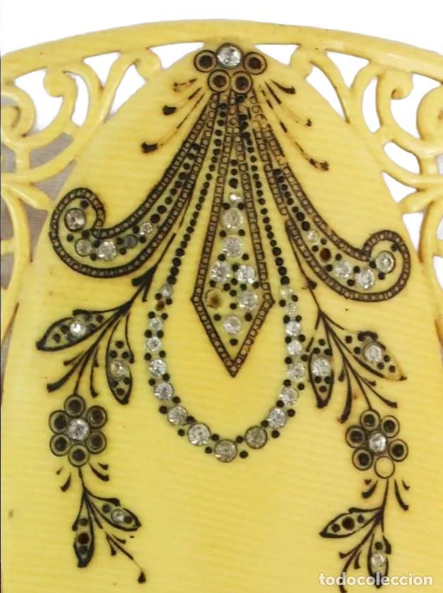 Antigüedades: Peineta horquilla en galalita y pedrería de cristal. Art Nouveau. 17x10cm teja 9x10cm - Foto 2 - 227267790
