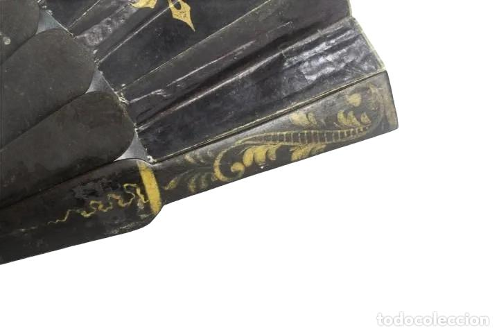 Antigüedades: Abanico pintado a mano. Madera y papel. Dorados. ca 1870. Hand painted hand fan. Paper and wood - Foto 7 - 227688084