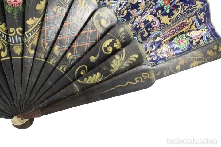 Antigüedades: Abanico pintado a mano. Madera y papel. Dorados. ca 1870. Hand painted hand fan. Paper and wood - Foto 8 - 227688084