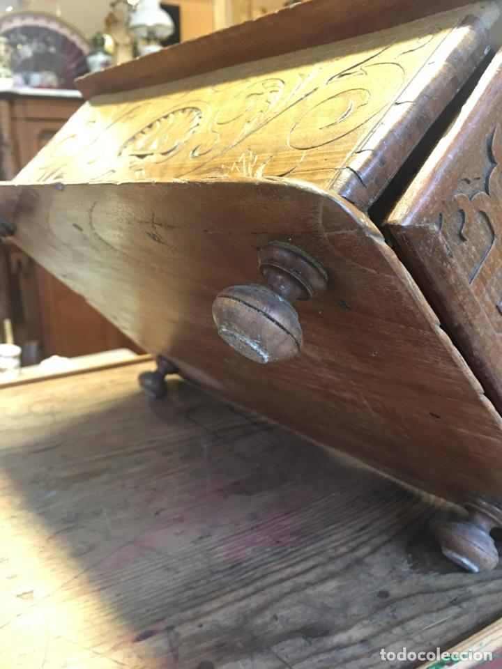 Antigüedades: Caja costurero o tocador antiguo f.s. XVIII en nogal tallado Dolores con pomo de hueso y espejo - - Foto 11 - 256026750