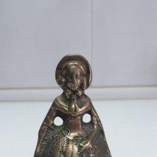 Antigüedades: ANTIGUA CAMPANILLA 12 CM DE ALTURA SEÑORA. Lote 256041120