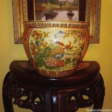 Antigüedades: MACETERO, JARRON CHINO. PINTADO A MANO. GRAN COLORIDO Y DETALLE.. Lote 66297111